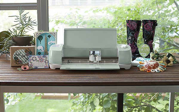 How To Use A Cricut: Beginner's Guide
